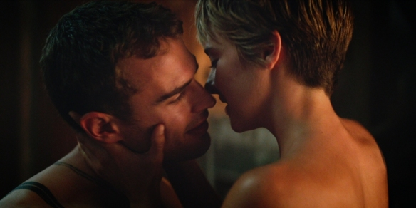 shailene-woodley-theo-james-01-the-divergent-series-insurgent-01-3840×1597
